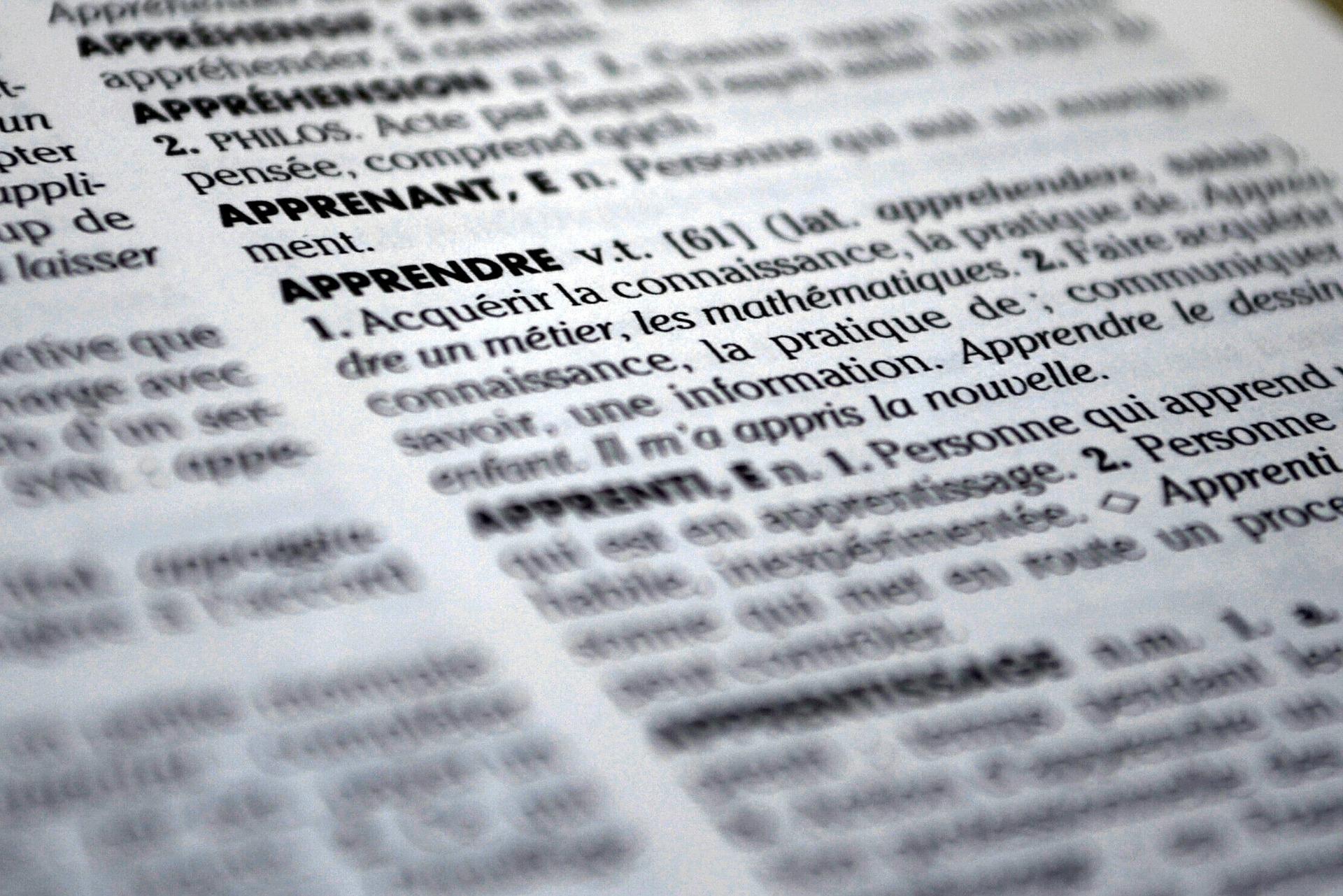 dictionary-613910_1920